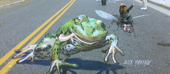 """The Frog"" in Art chalk festival in Atlantic City, USA"