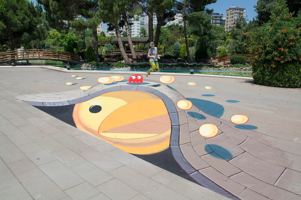 "New 3d street painting ""Packman"""